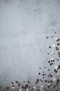 雪の上の星